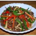 青椒牛肉絲(チンジャオニュウロウスー)
