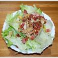 カリカリベーコンとたまねぎのサラダ