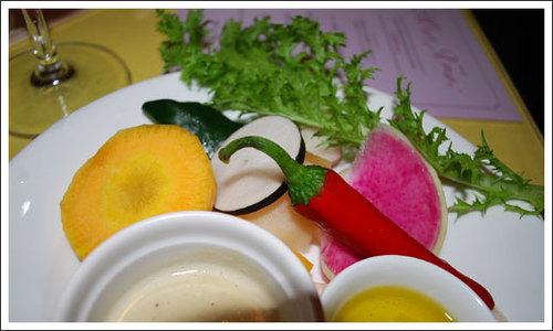 長野県飯田市からの有機野菜サラダ