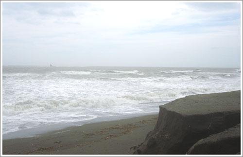 砂の崖崩落