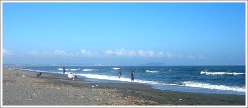 真夏のような茅ヶ崎の海