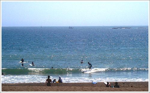 茅ヶ崎パーク朝の波