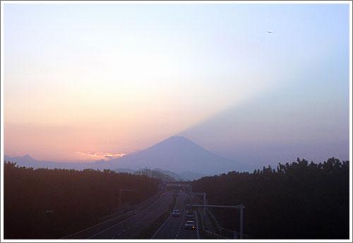日没直後の富士山