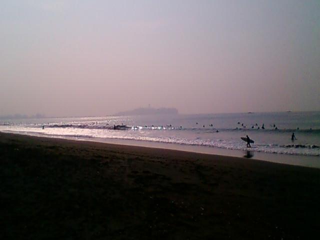 8:00、湘南茅ヶ崎サーフィン波情報。