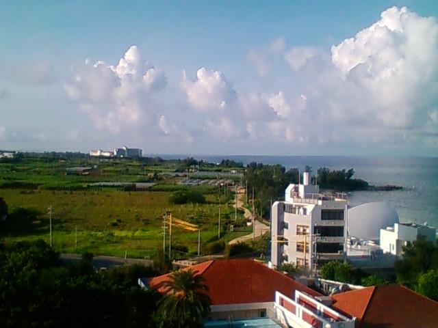 沖縄は今日も晴れです。