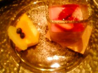 お食事と誕生日記念のデザート。