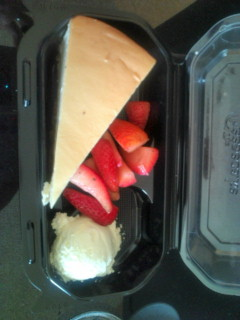 サーフィン後のお昼は、チーズケーキファクトリーにしました。