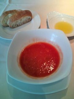 ランチのトマトの冷製スープ