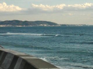 13:50 七里ヶ浜げんこつ方面 サーフィン波情報