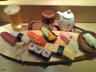 たつ郎寿司ランチ握りとビール