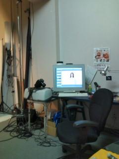 フォトスタジオにいます。