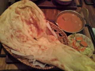ネパール料理の店の激辛チキンマサラカレー。