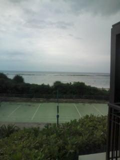 南風が吹く石垣島北部の海。