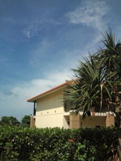 石垣島に広がった青空。